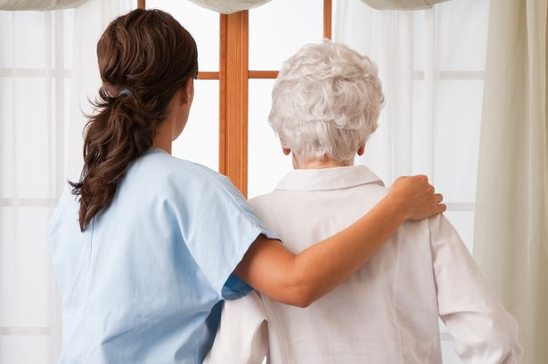 Saveti medicinskih sestara i stručna briga o starim osobama